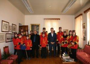 Φόρεσε τα γιορτινά του το Δημαρχείο Ναυπλιέων